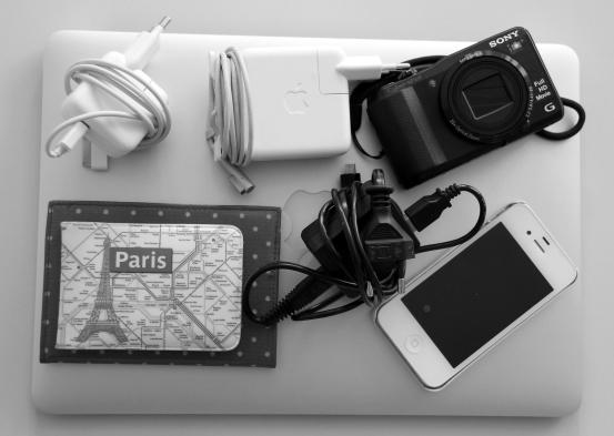 Matkustaminen_elektroniikka